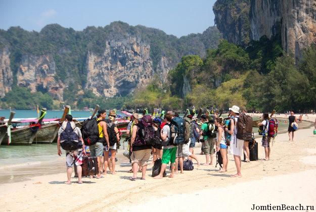спад туристов таиланд
